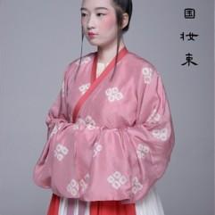 Costume replica at Heng Lu. Photo courtesy of 中國古代妝束