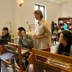 Weaving class. © Jin Ze Arts Centre, Shanghai